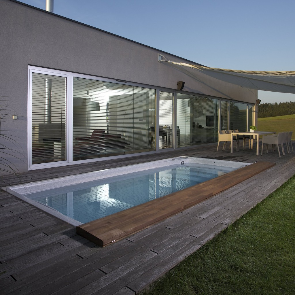 Swim-spa-basen-prywatny-ogrodek-taras-wardein
